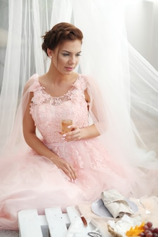 Braut im rosa kleid