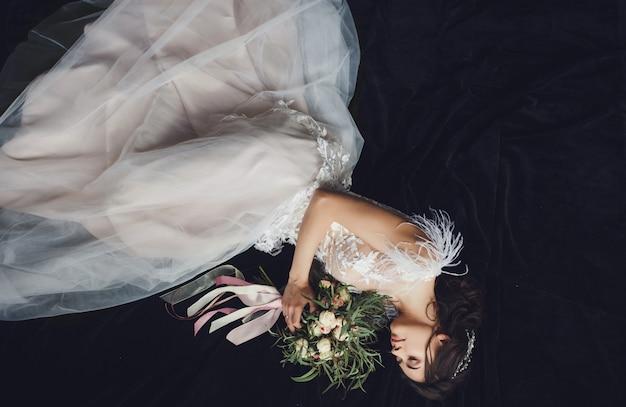 Braut im schönen kleid