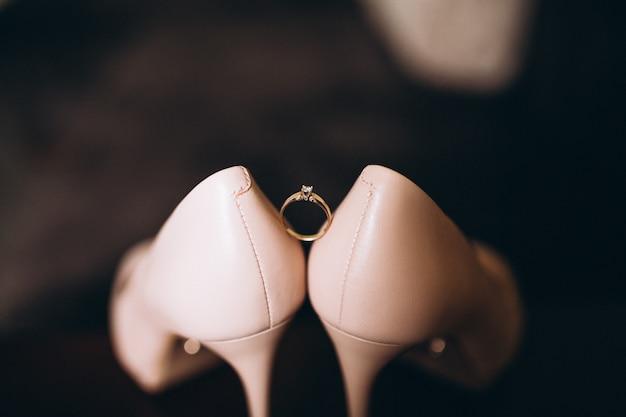 Brautschuhe für die braut