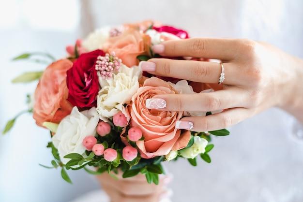 Brautstrauß rosenstrauß hochzeitsstrauß bräute morgen bräute sammeln
