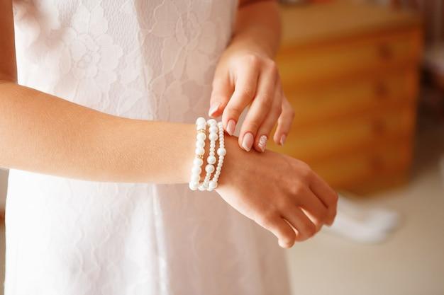 Brautvorbereitung für die hochzeitszeremonie
