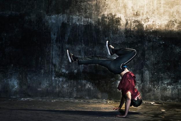 Breakdance hiphop tanz geschicklichkeit streetdance konzept