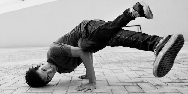 Breakdance movement teenager trendige lifestyle-konzept