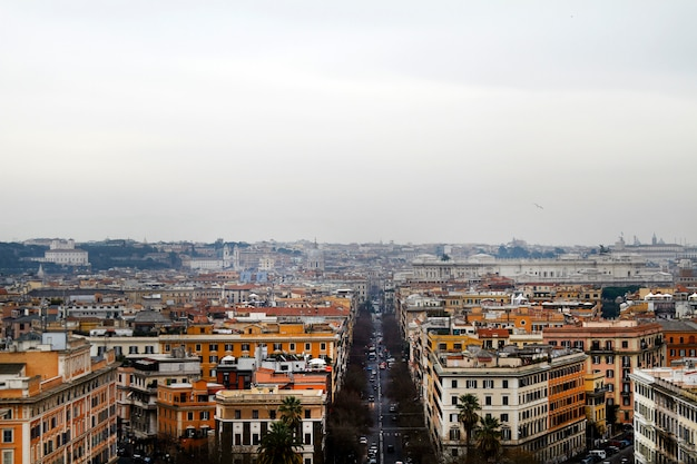 Breite ansicht der stadt rom vom vatikan