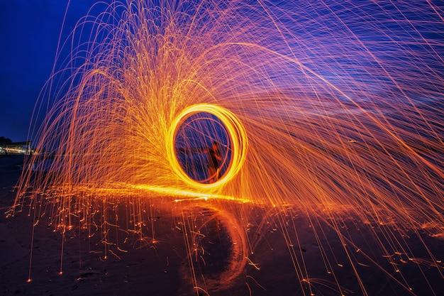 Brennende stahlwolle gesponnen