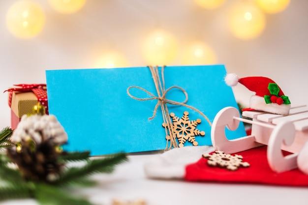 Brief an den weihnachtsmann oder neujahrsgeschenkgutschein