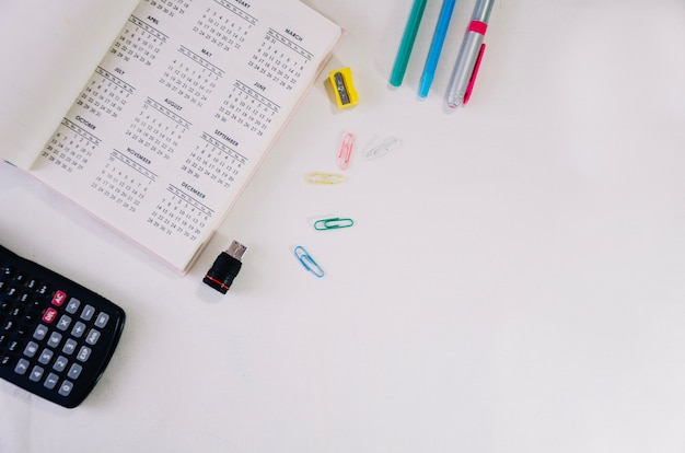 Briefpapier und kalender
