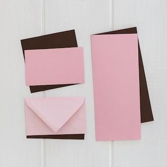 Briefumschlag und gruß in öko-papier