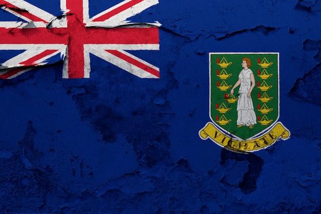 Britische jungferninseln-flagge auf grunge rissige wand gemalt