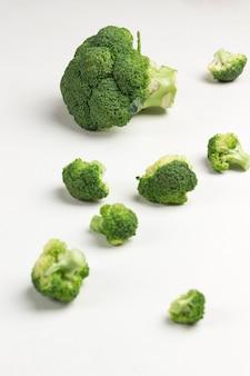 Brokkoli alkalisches produkt. veganes essen.