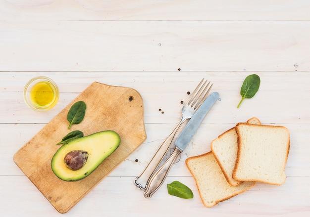 Brot und avocado
