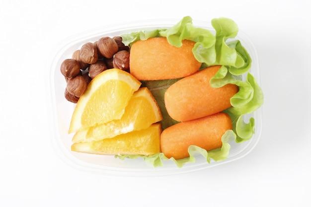 Brotdose mit gesundem essen