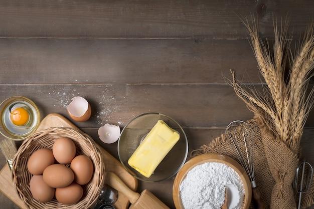 Brotmehl mit frischem ei