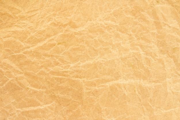Brown-falte bereiten papierhintergrund auf