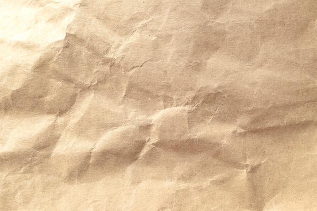 Brown zerknitterte papierbeschaffenheitshintergrund.