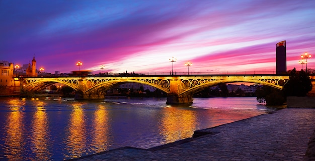 Brücke triana sevilla spanien puente isabel ii