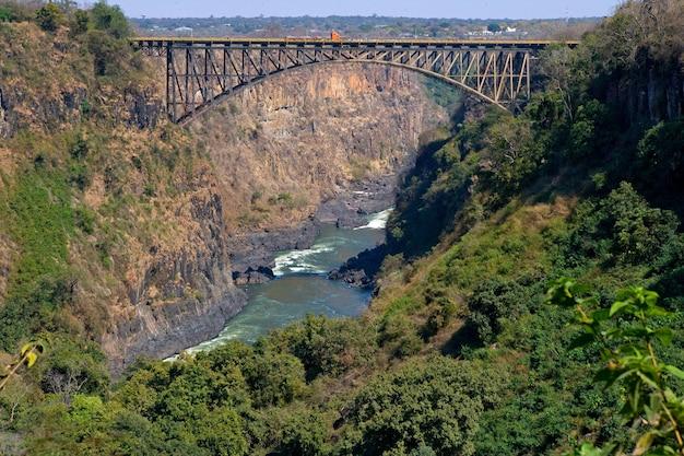 Brücke über die sambesi-grenze zwischen sambia und simbabwe