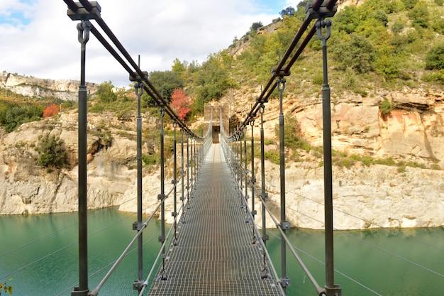 Brücke von congost de mont-rebei, provinz serra montsec, la noguera, lleida, katalonien, spanien