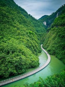 Brücken auf seen in china gebaut