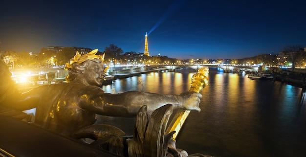 Brückendetails alexandre 3 in paris, frankreich