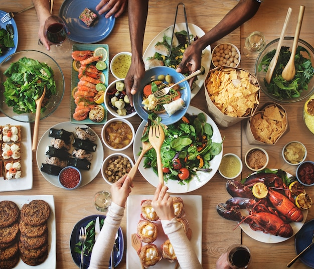 Brunch-wahl-menge, die nahrungsmitteloptionen essen konzept isst