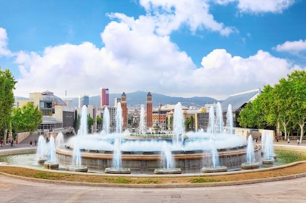 Brunnen von montjuic und plaza de espanya. barcelona