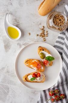Bruschetta-scheiben zum frühstück