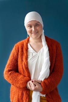 Brustkrebskämpfer posiert