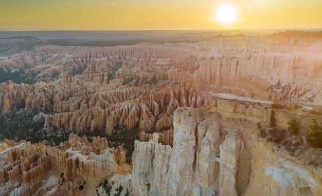 Bryce canyon national park, amphitheater utah, usa vom sonnenaufgang