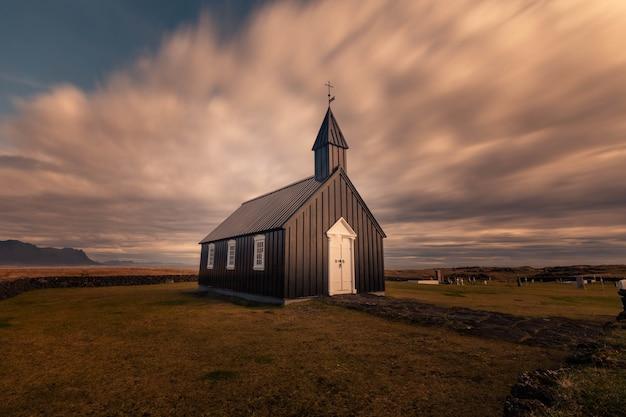 Búðakirkja-kirche in búdir-stadt in snæfellsnes-halbinsel, west-island.