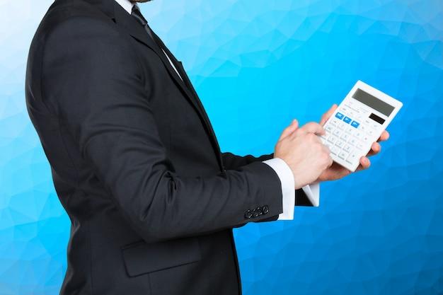 Buchhalter geschäftsmann mit taschenrechner