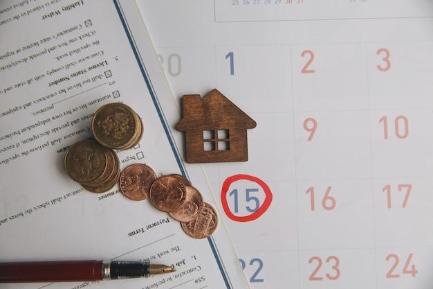 Buchhalter überprüfen und prüfen fälligkeitsdatum für zahlung kosten und verkäufer des finanzgeschäfts