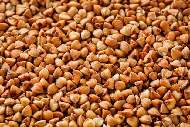 Buchweizen essen. nützliches getreide für vegetarier