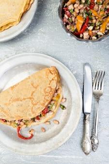 Buchweizen-pfannkuchen. mexikanischer quesadilla.