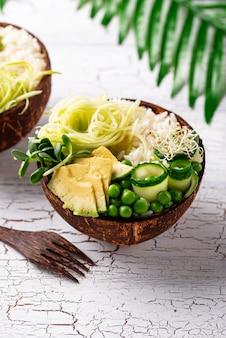 Buddha-schüssel des strengen vegetariers mit gemüse