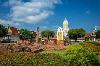 Buddha-Statue bei Wat Phra Si Rattana Mahathat in Phitsanulok Thailand.