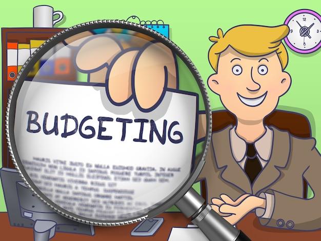 Budgetierung. geschäftsmann, der konzept auf papier durch linse zeigt.