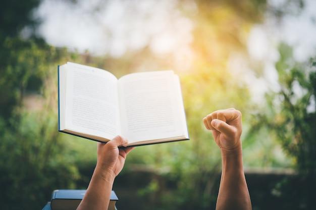 Bücher und studien und bücher