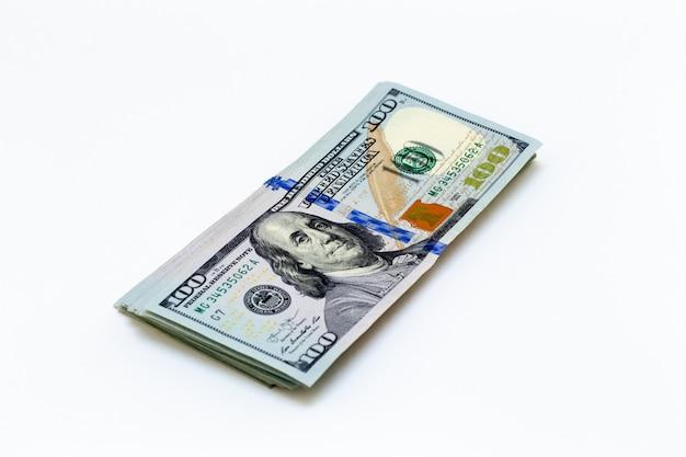 Bündel amerikanischer hundert-dollar-scheine