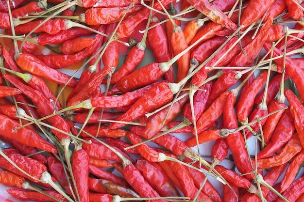 Bündel glühender getrockneter chilis