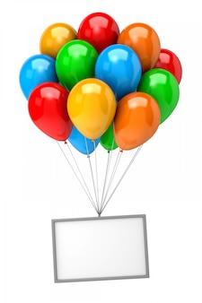 Bündel luftballons, die ein leeres banner halten