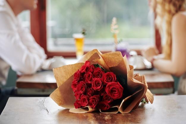 Bündel roter rosen