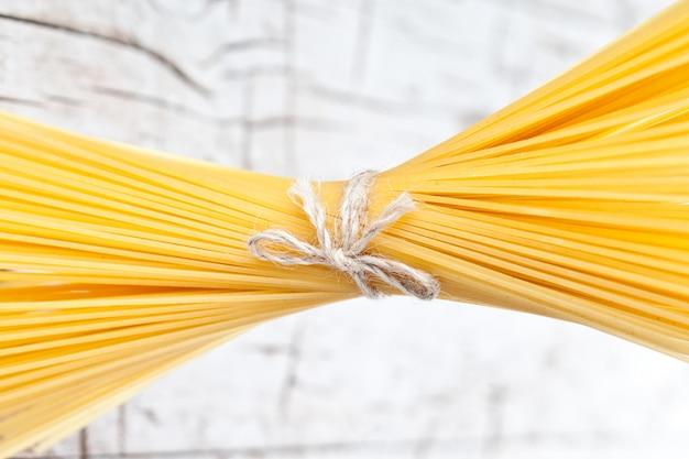 Bündel spaghetti