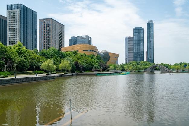 Bürogebäude des finanzzentrums, bezirk binjiang, hangzhou, china