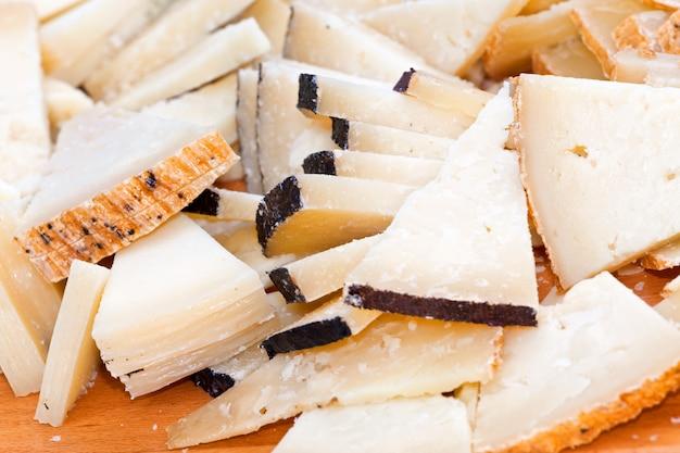 Buffet mit pecorino-käse