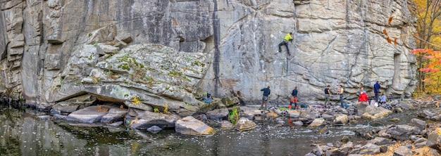 Buky canyon und hirskyi tikych fluss in der ukraine