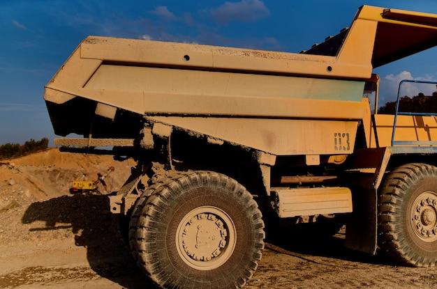 Bulldozer industriegebiet geologie arbeit bau