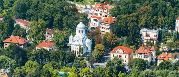 Buna vestire-kirche nahe alten häusern in brasov
