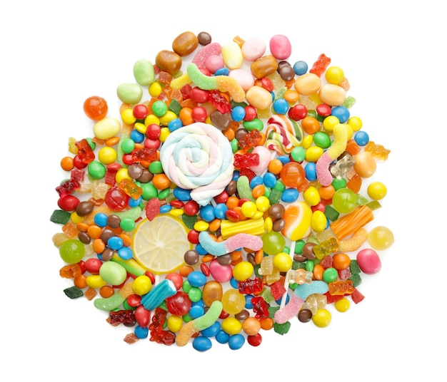 Bunte bonbons auf weiß