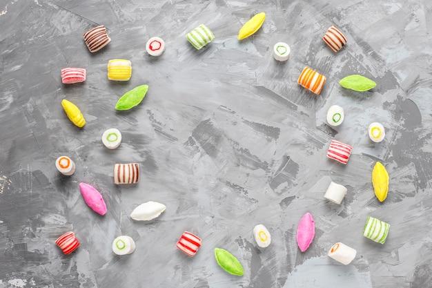 Bunte bonbons, gelee und marmelade, ungesunde süßigkeiten.